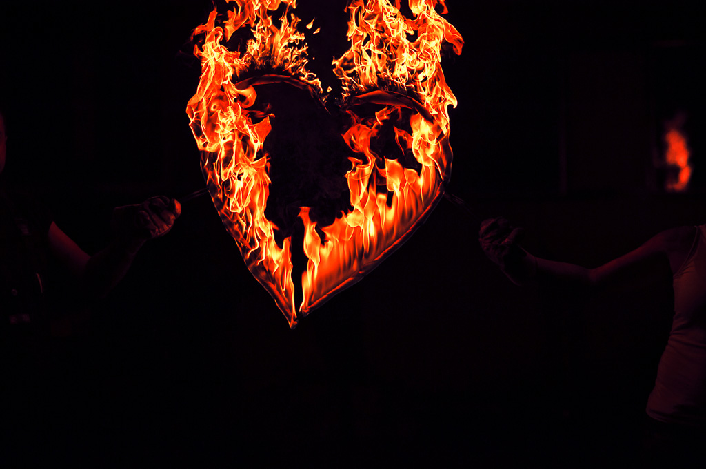 serce w ogniu miłości