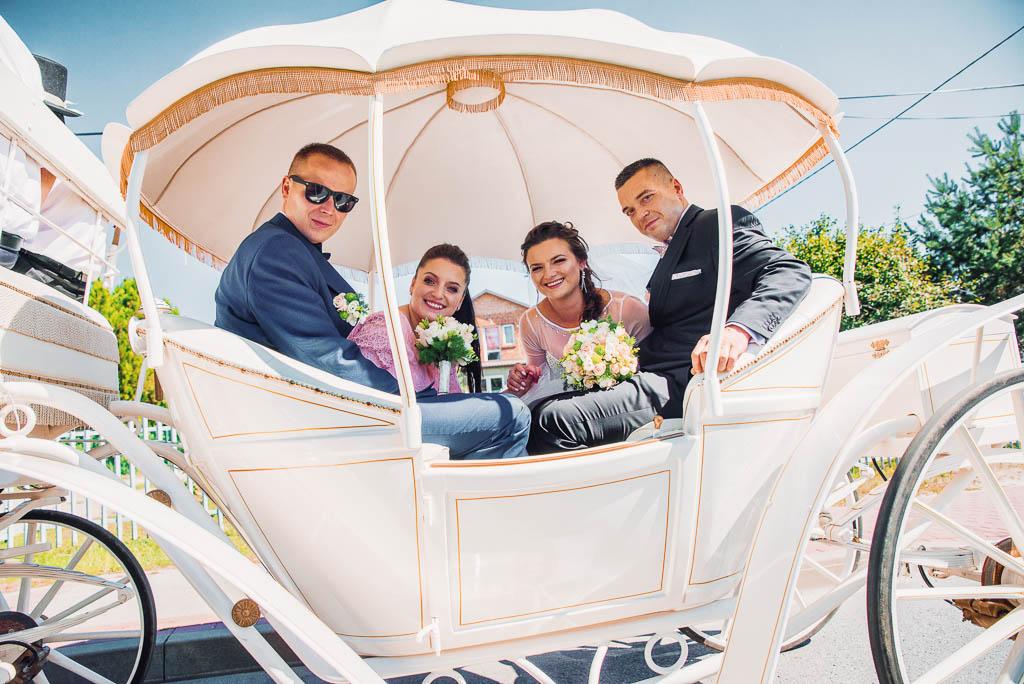 bryczką do ślubu, fotograf ślubny sandomierz