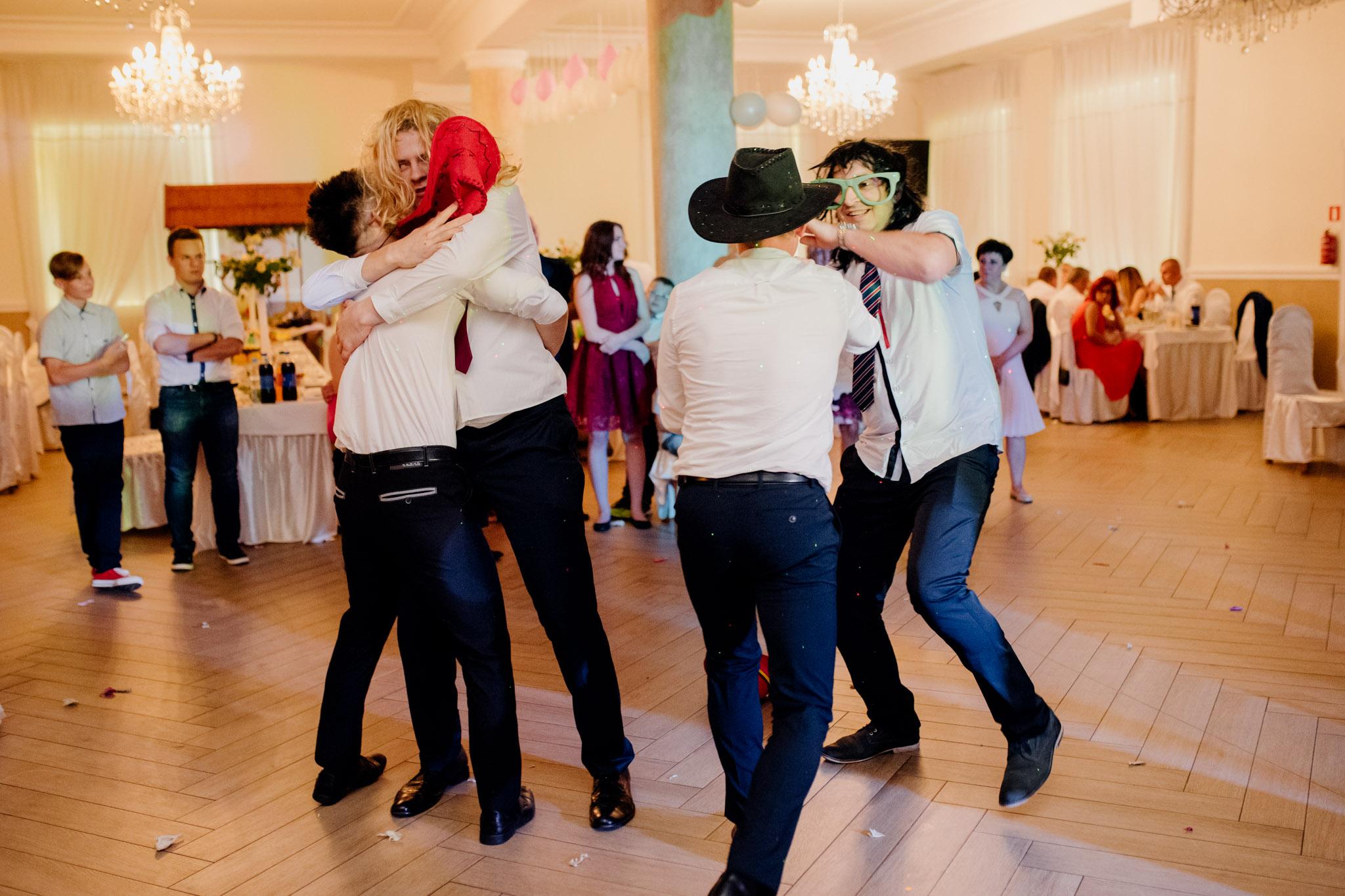 zabawa weselna, fotograf ślubny stalowa wola