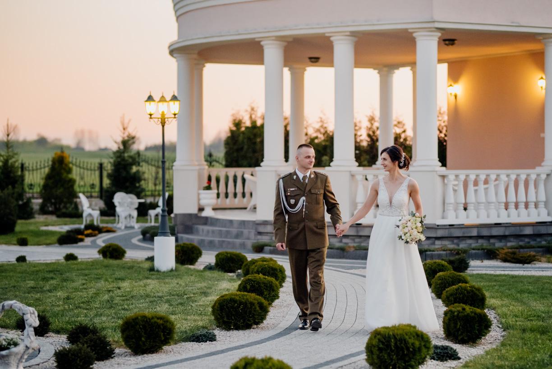 wesele w rózanym dworku