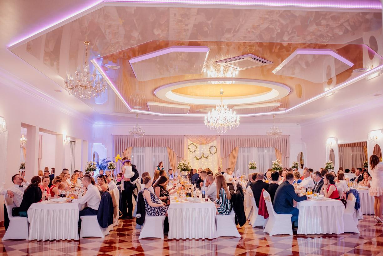wesele w różanym dworku