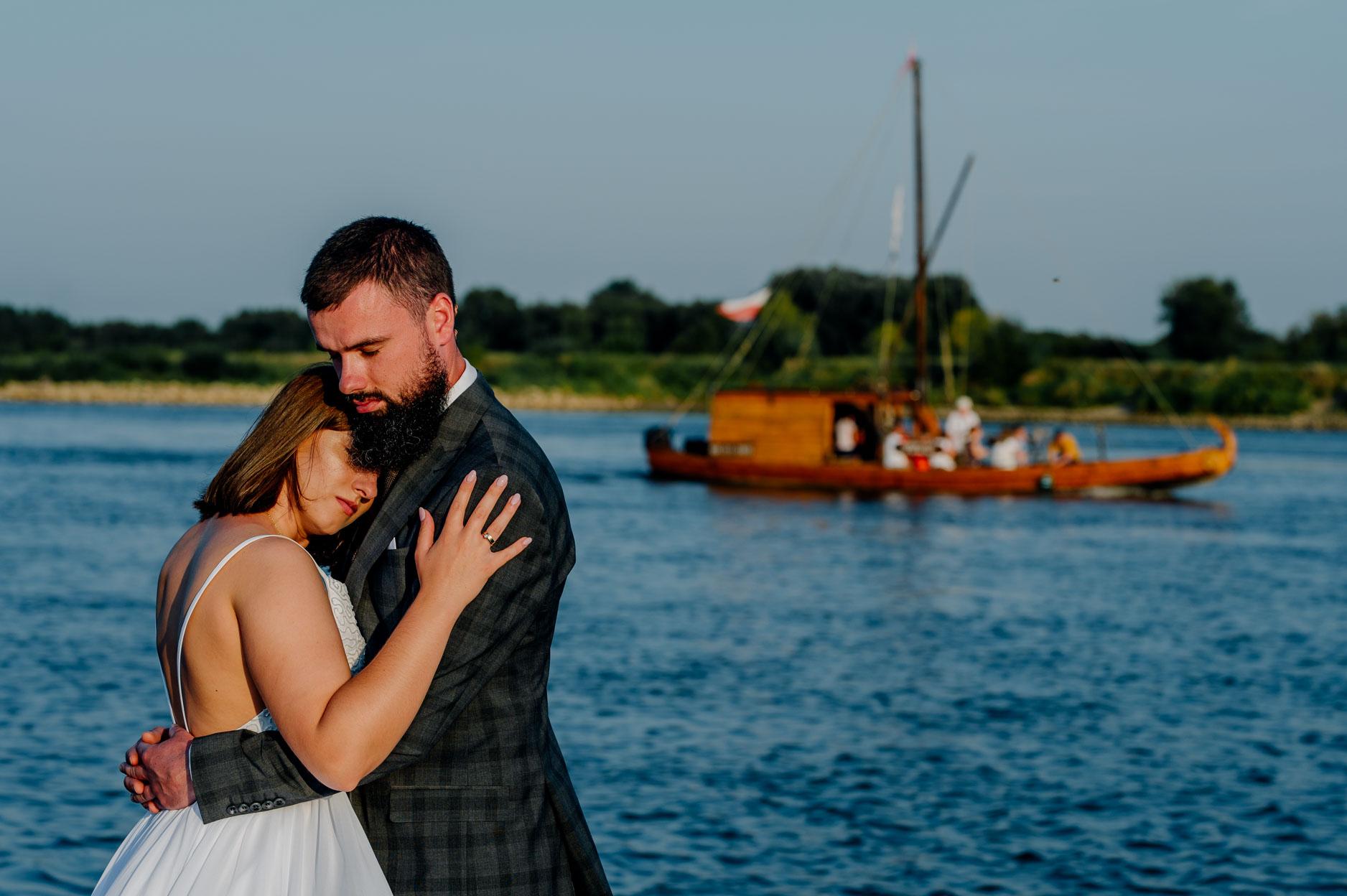 sesja ślubna nad jeziorem tarnobrzeskim