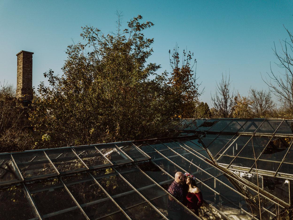 narzeczeńska sesja w parku charzewickim