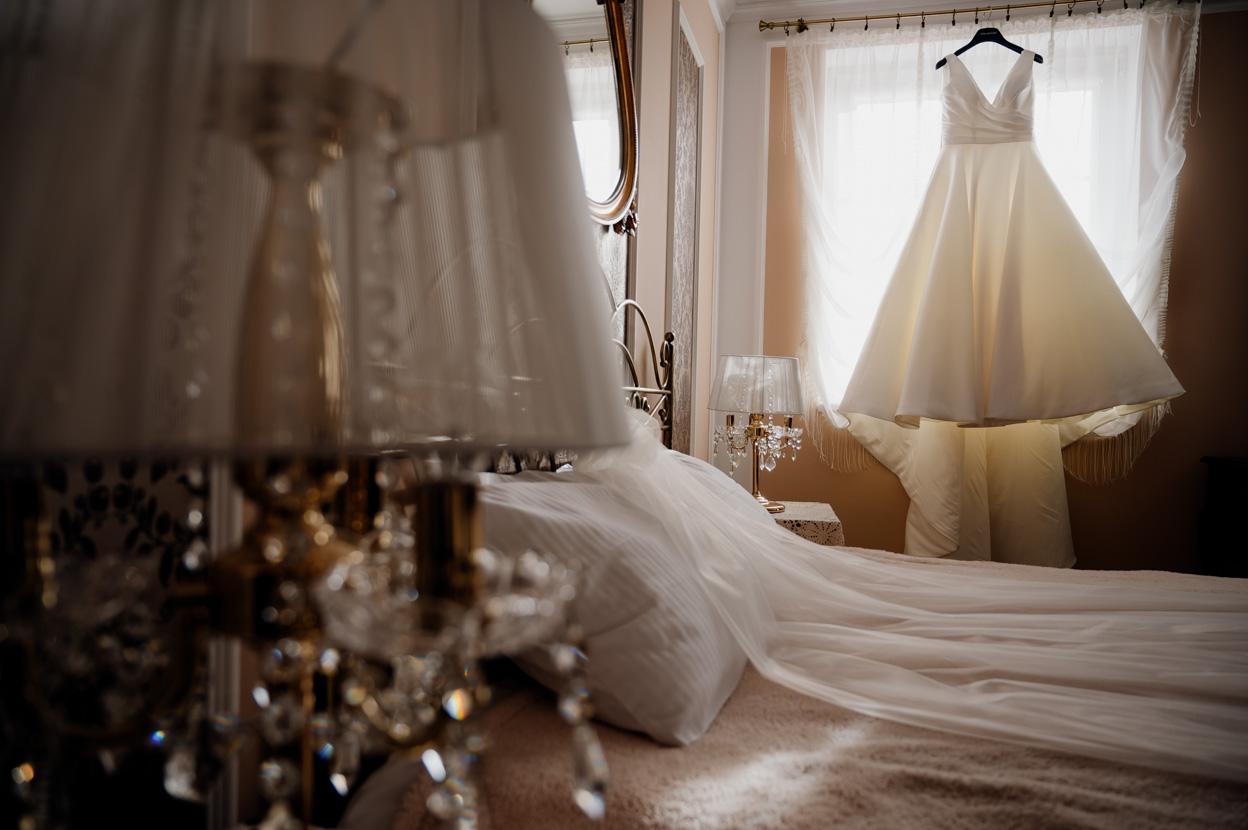 przygotowania ślubne, fotograf ślubny warszawa, suknia ślubna
