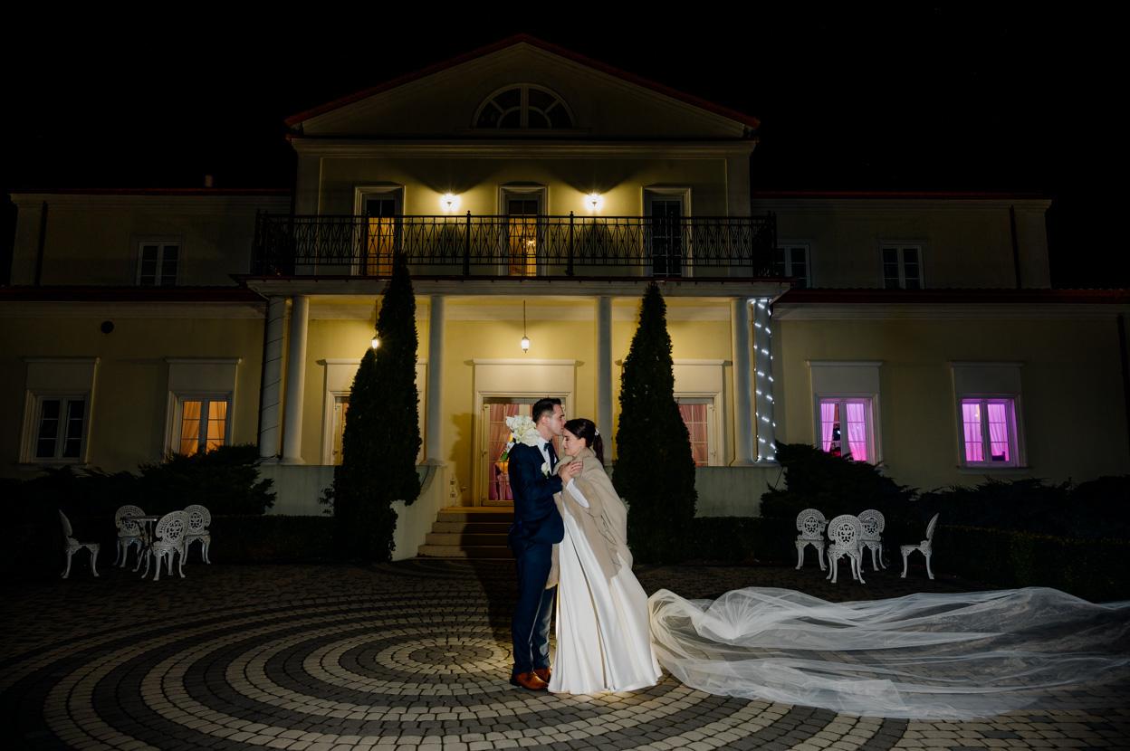 fotografia ślubna lawendowy pałacyk