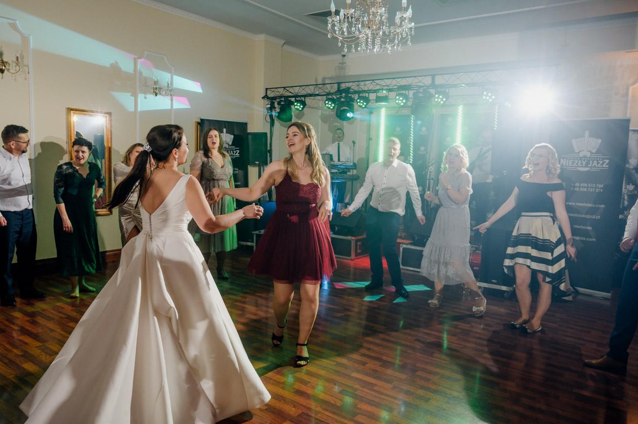 fotograf ślubny warszawa, zabawa weselna