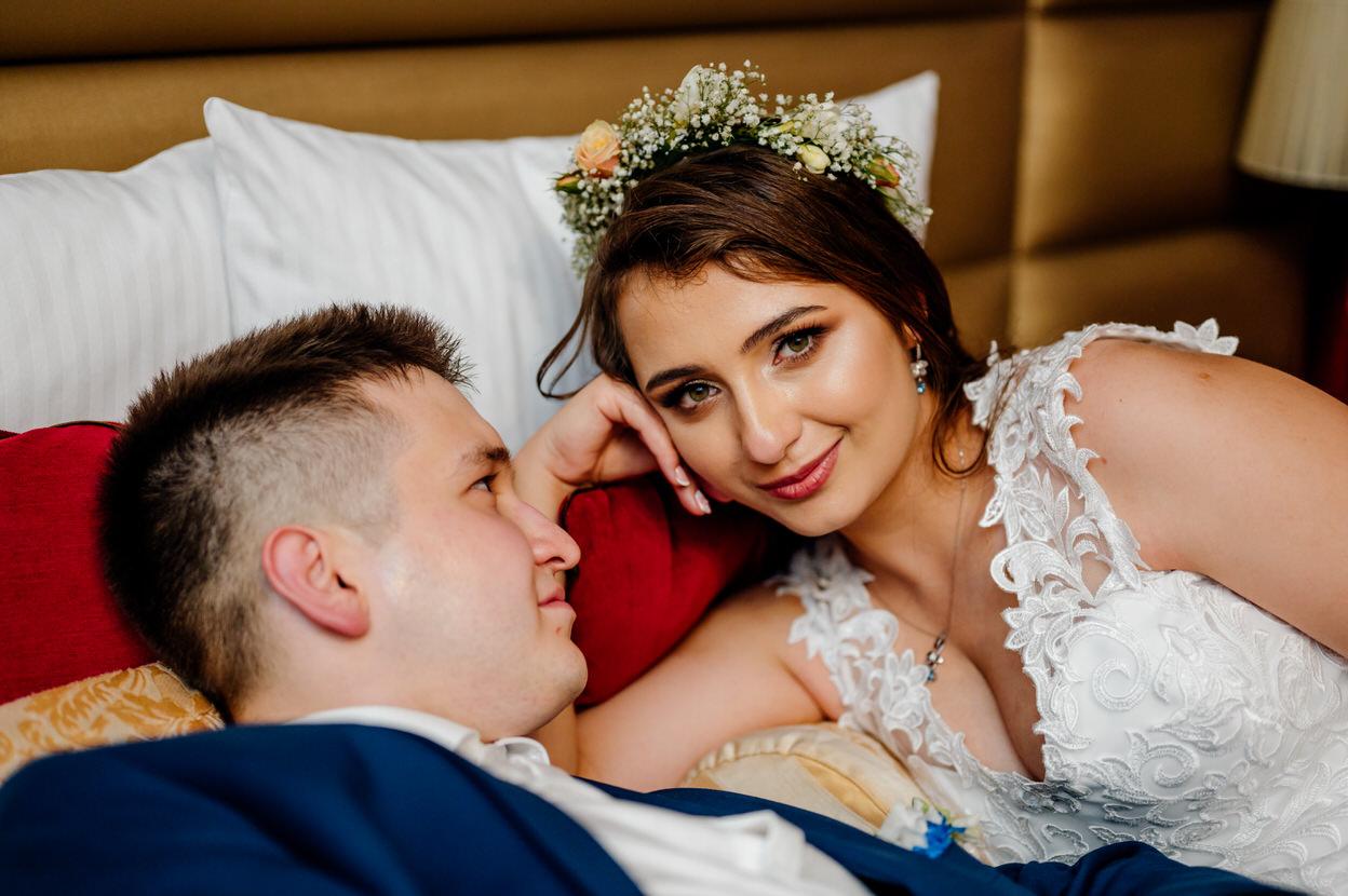 noc poślubna pary młodej