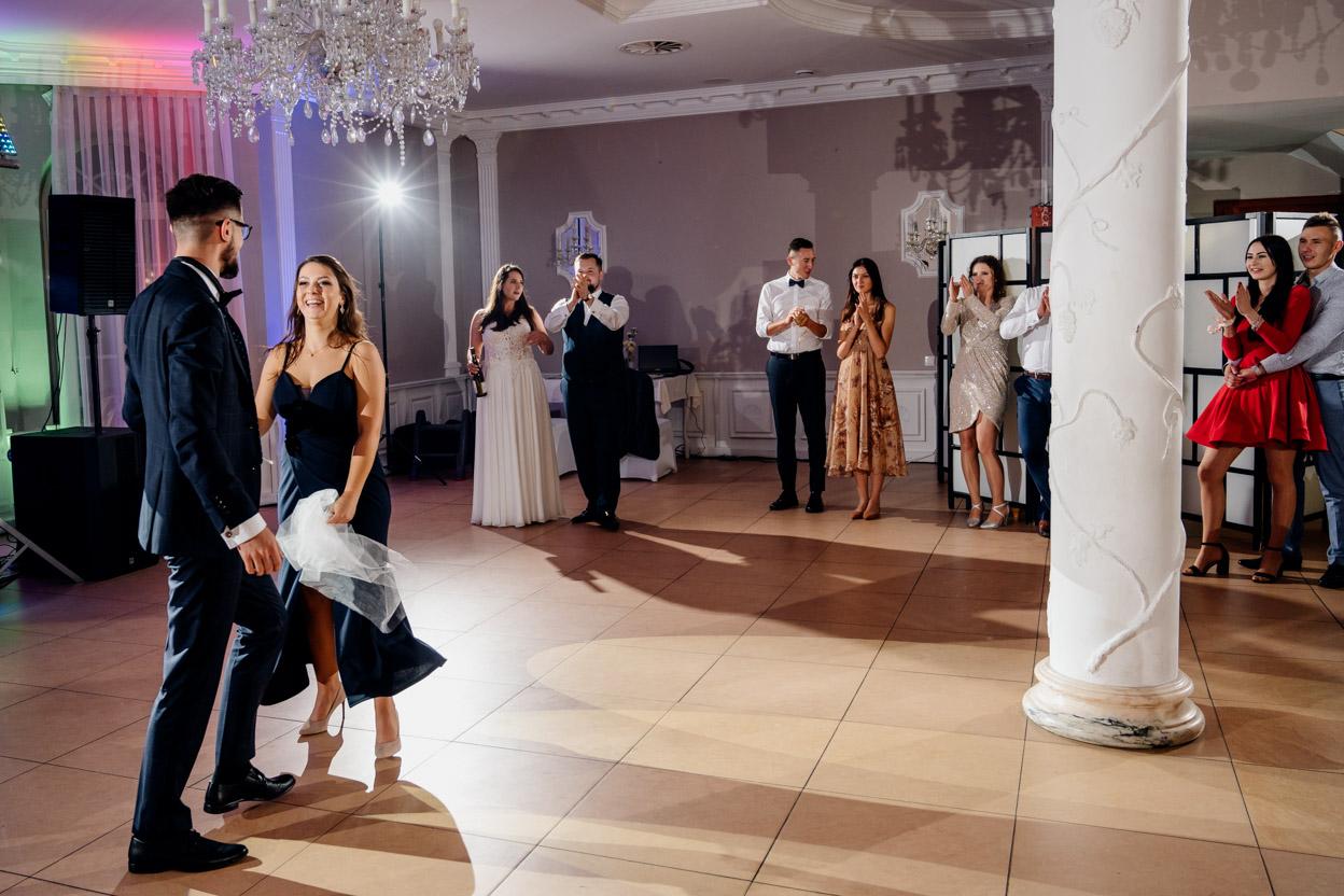 zabawa weselna, fotografia ślubna kielce, fotograf kielce, teniec